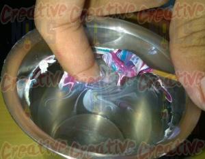 Blow air to dry the nail polish